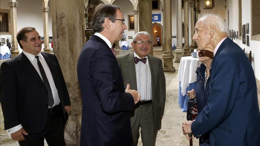 Fallece el periodista Alejandro Armesto, que fue director gerente de la Agencia EFE