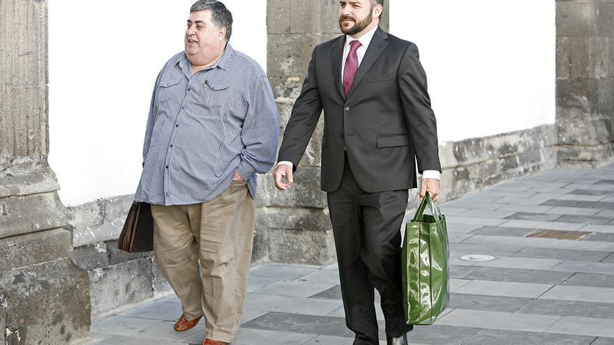 El empresario Evaristo González Reyes a la salida del Tribunal Superior de Justicia de Canarias. Foto: Alejandro Ramos