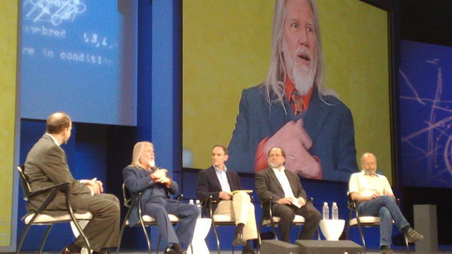 En la pantalla, Whitfield Diffie, uno de los padres de la criptografía moderna