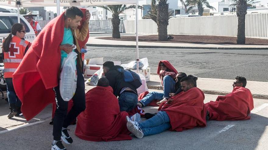 """El barco de Salvamento Marítimo """"Salvamar Al Nuir"""" ha rescatado este viernes a 21 migrantes."""