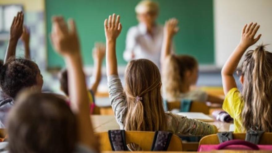 El PP propone una negociación para mejorar los sexenios de 12.000 profesores de la Comunidad