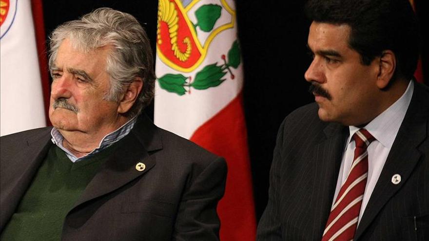 Maduro llega a Uruguay como parte de su gira por Mercosur que excluye a Paraguay