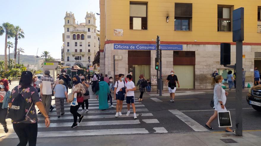 Ascienden a 42 los casos de covid importados en Ceuta tras la entrada masiva