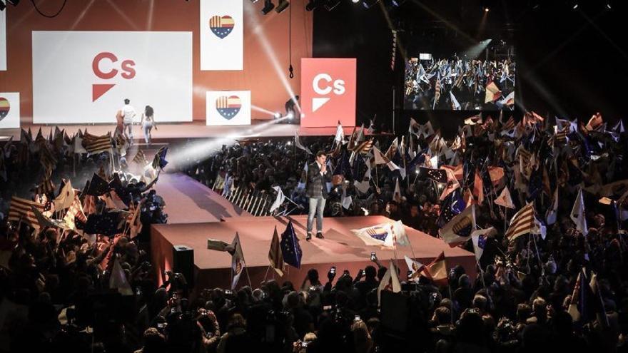 Campaña por el NO Imagen-Campana-Ciudadanos-lHospitalet-Llobregat_EDIIMA20171217_0179_4