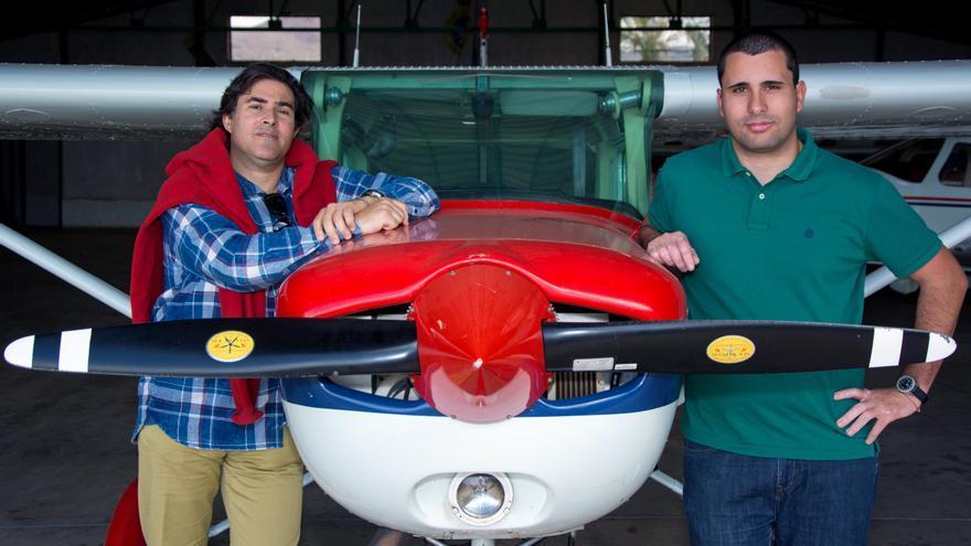 El estudiante Saúl Robaina (izquierda) junto con su tutor Luis Gómez Déniz