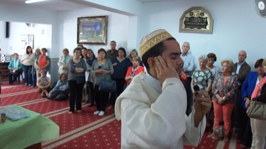Rezos en la Mezquita de Badajoz / islamextremadura.blogspot.com.es