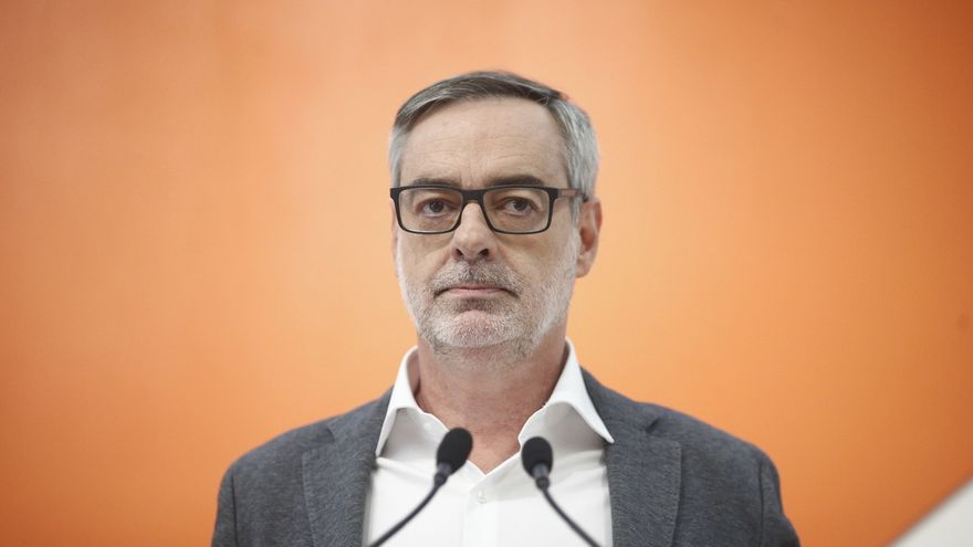 """Villegas recalca que """"los números no dan"""" para una moción de censura en Cataluña y que Cs seguirá en la oposición"""