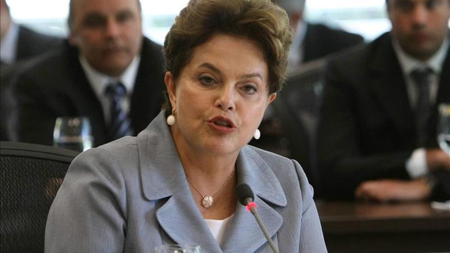 Rousseff afirma que el cambio de ministro de Hacienda no altera las metas económicas