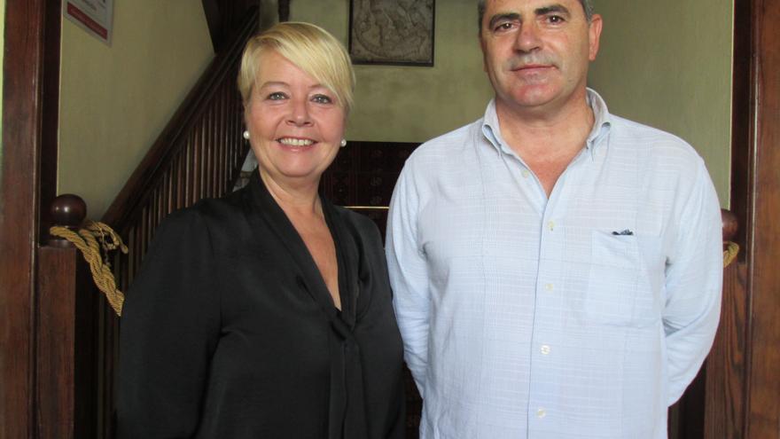 Rosa Aguado y Miguel Sánchez Sobrino en su visita a La Cosmológica. Foto: LUZ RODRÍGUEZ.