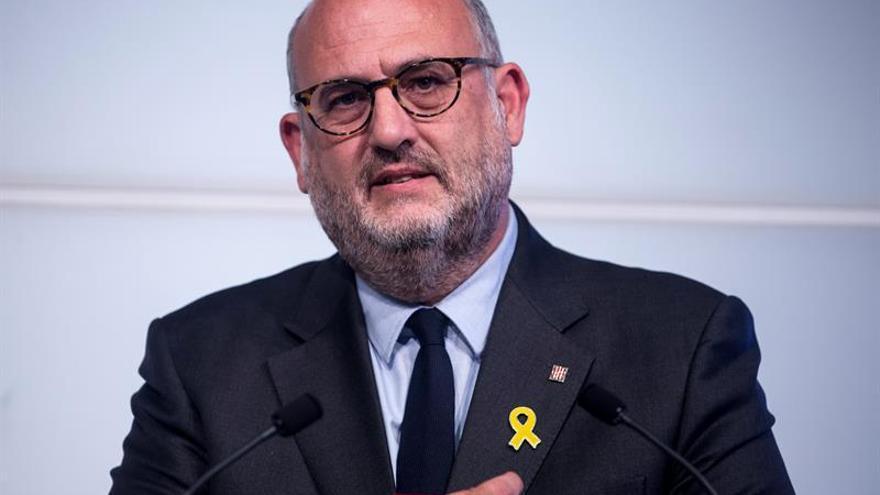 """JxCat pide que comparezca presidente de TSJC por """"chat de taberna"""" de jueces"""