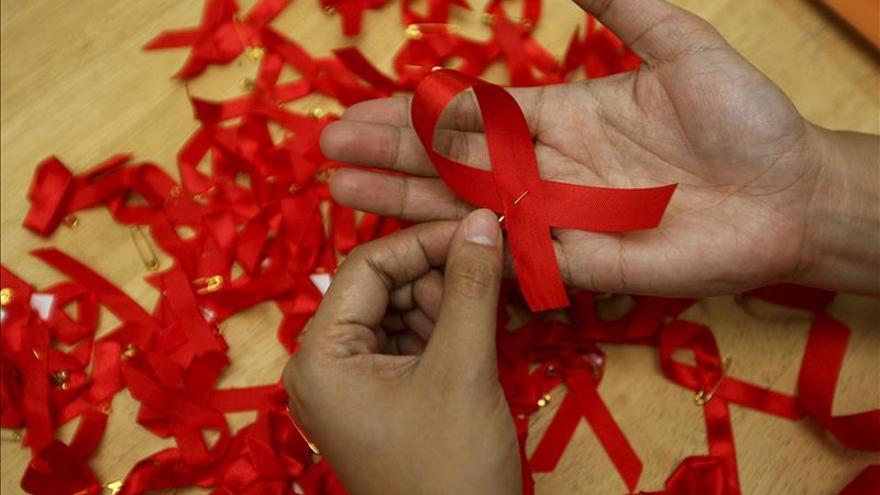 La OMS registró en 2014 una cifra récord de casos de contagio por VIH en Europa