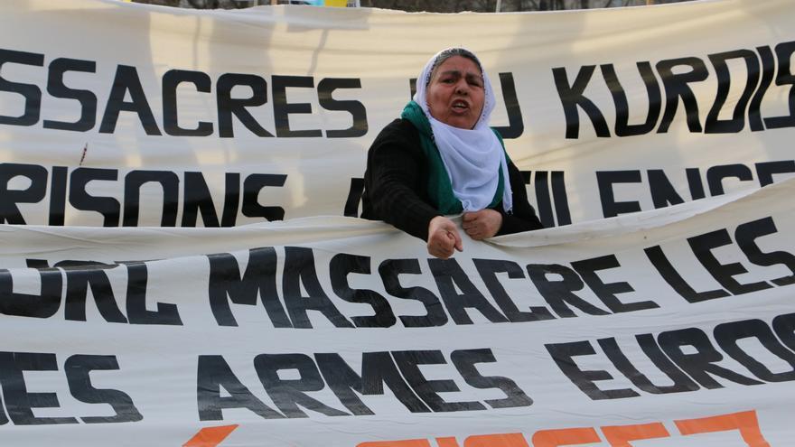Manifestación en apoyo a la resistencia del pueblo kurdo, 6 de febrero 2016, en París. | Foto: Luna Gámez.