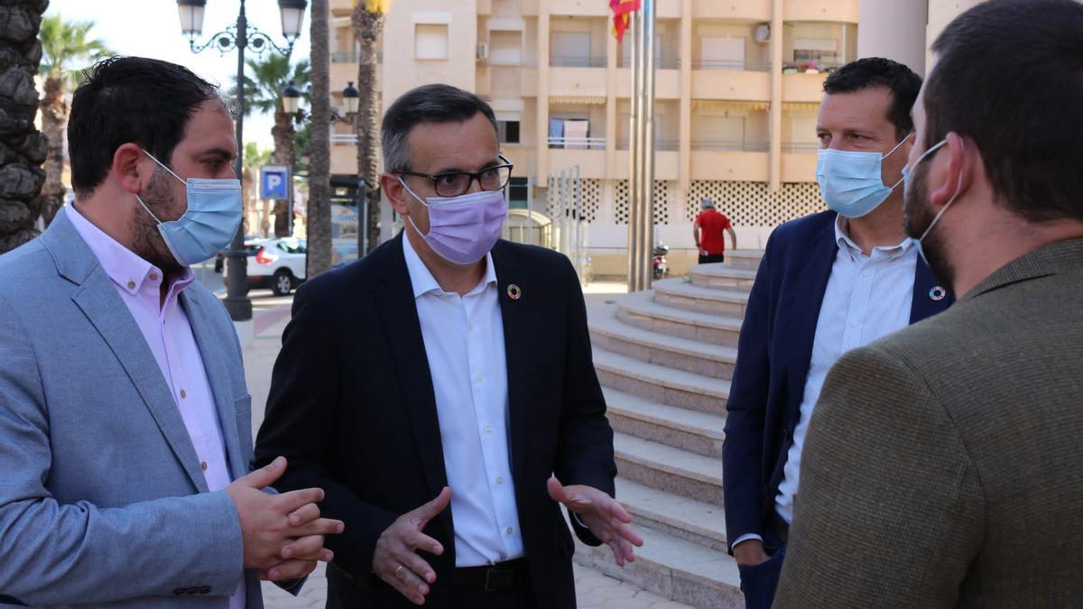Mario Cervera, alcalde de Los Alcázares, y Diego Conesa, secretario general del PSRM