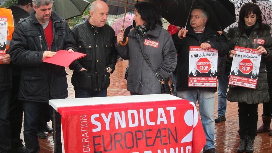 """La Cumbre Social Vasca defiende que """"se puede hacer otra política"""" y pide al Gobierno del PP que abandone la austeridad"""