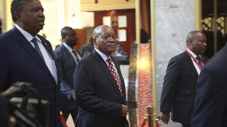 La oposición presentará cargos por corrupción contra el presidente de Sudáfrica