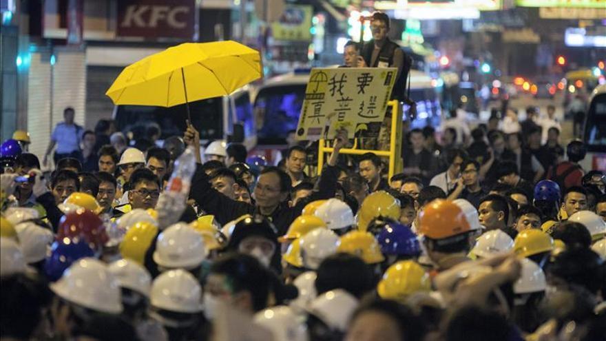 Detenidas 86 personas en el desalojo de la zona de protestas democráticas en Hong Kong