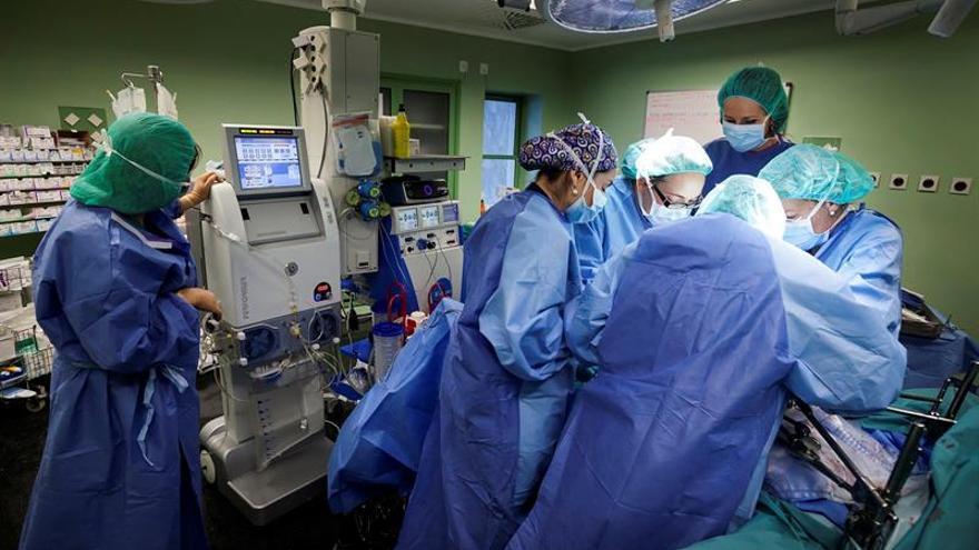 El Hospital Universitario Nuestra Señora de la Candelaria, en Tenerife, ha realizado desde 2009 unas 120 operaciones de cirugía citorreductora y quimioterapia hipertérmica
