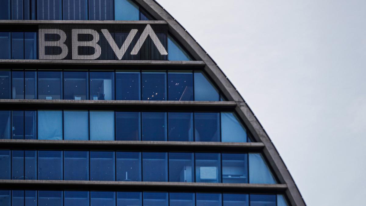 Fachada de la sede corporativa del BBVA.