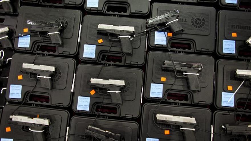 Niños armados, un drama y también un negocio
