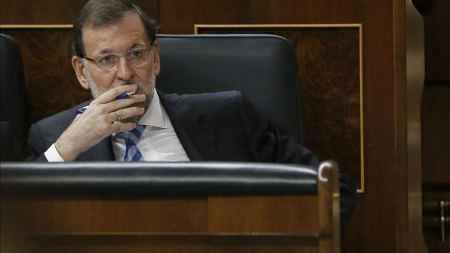 Rajoy dialogará con Mas y con el PSOE y pide a Sánchez que se deje de eslóganes