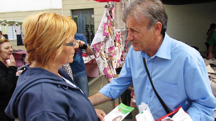 El candidato de Ganemos Extremadura Izquierda Unida- Verdes a la Presidencia de la Junta, en su visita a Almendralejo / IU