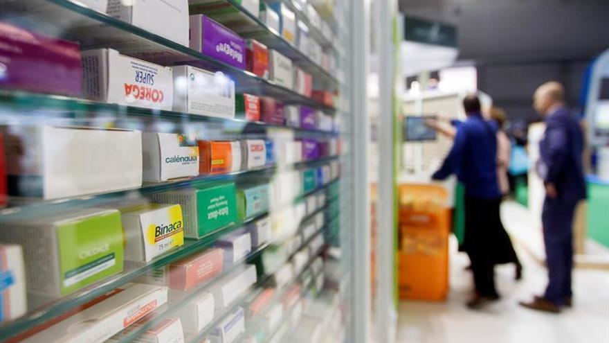 España cuenta con 21.968 farmacias, 32 más que el año anterior