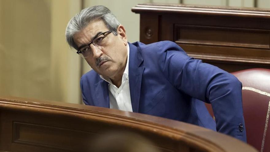 El portavoz de Nueva Canarias en el Parlamento, Román Rodríguez.