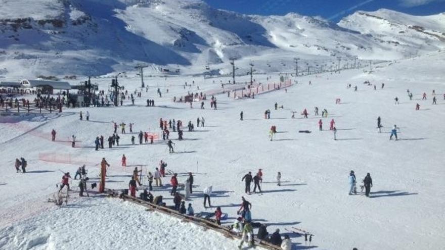 Cerrados de nuevo los accesos a Alto Campoo, que ofrece 22,8 km de esquí con máxima visibilidad