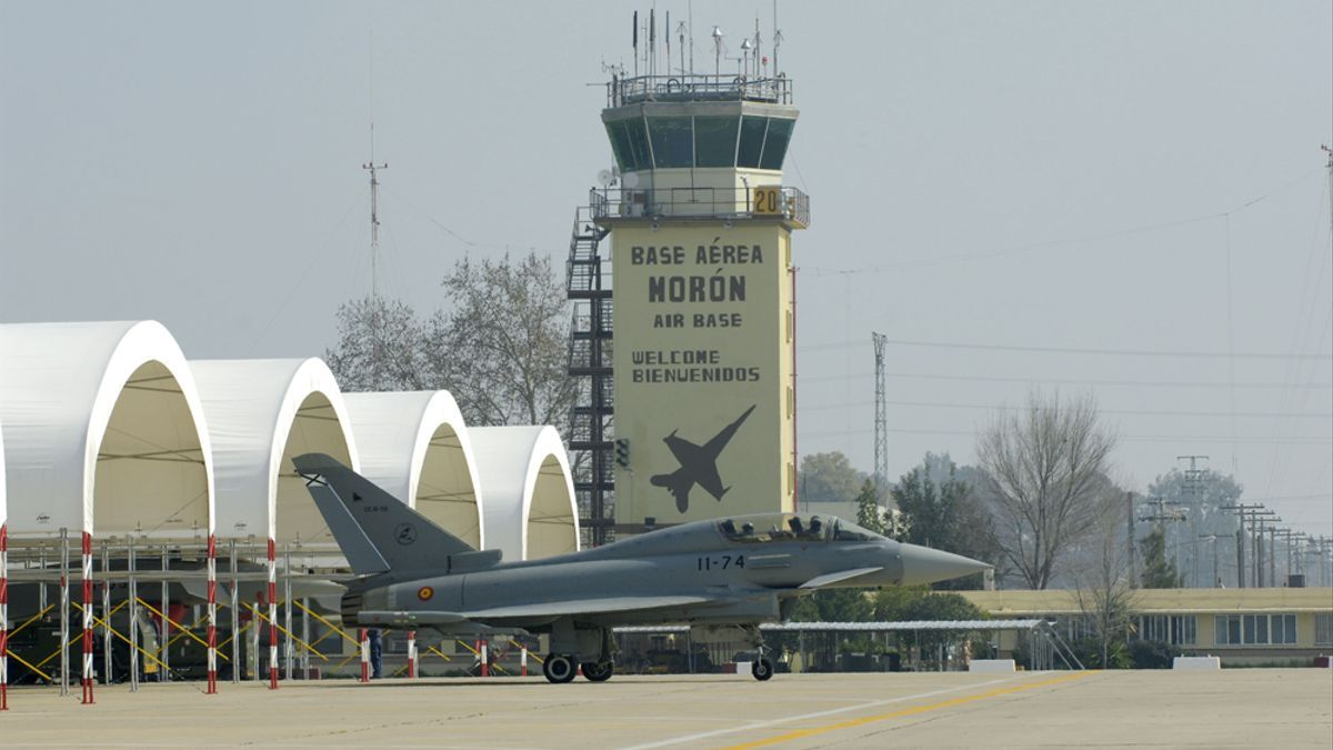 Uno de los aviones que forman parte del ejercicio militar en la base de Morón