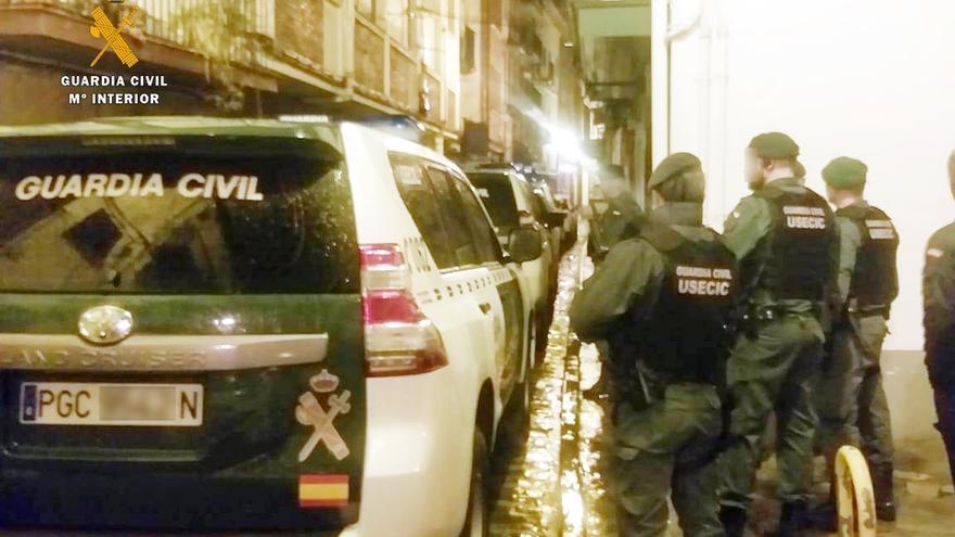 La Guardia Civil formula 65 denuncias en una sóla noche en zonas de ocio y locales de Laredo y Castro