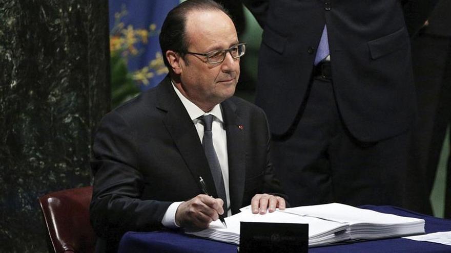 Hollande celebra 4 años de su victoria con una impopularidad récord