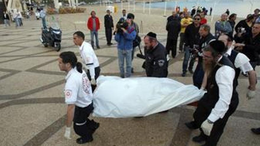 Cuatro muertos en Israel al caer al mar un helicóptero