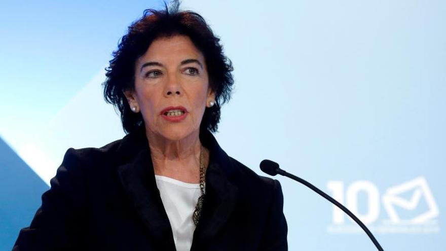 Murcia reitera la continuidad del permiso parental y aboca a Celaá al recurso