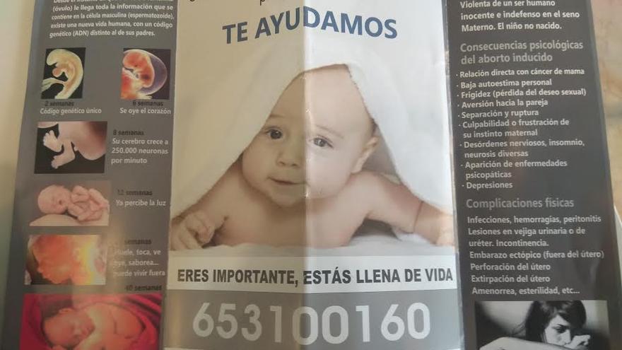 Folleto de propaganda contra el aborto repartido frente a la clínica Emece
