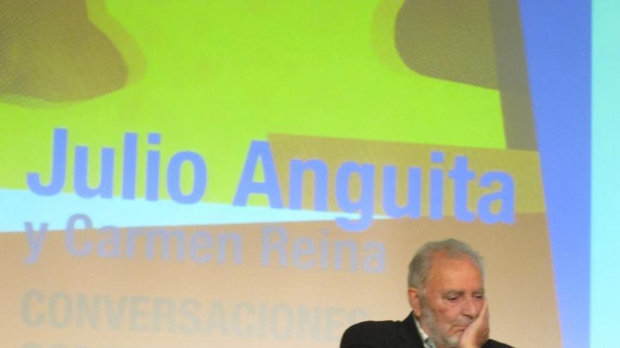Anguita defiende que son los políticos los que tienen que decidir sobre la economía y no los mercados