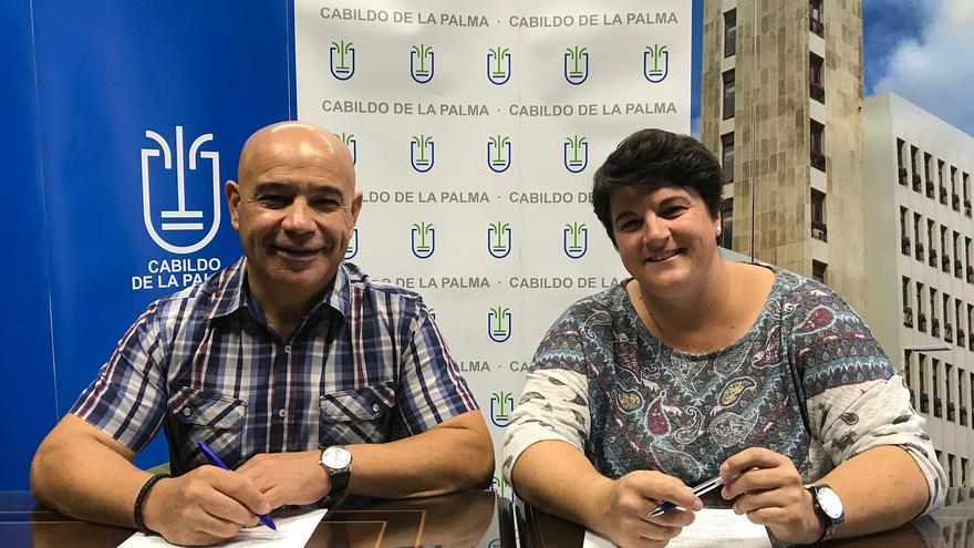 Pedro Pérez Camacho, presidente de la Federación Insular de Automovilismo de La Palma, y Ascensión Rodríguez, consejera de Deportes  del Cabildo.