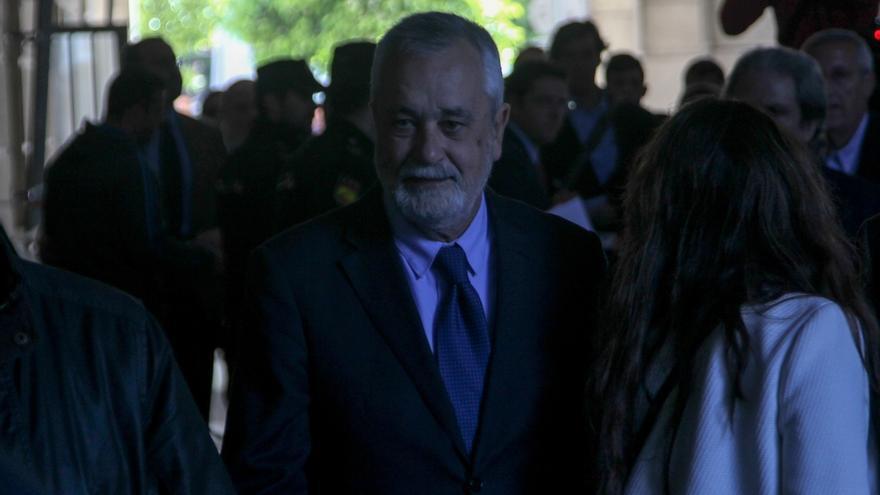 """Griñán afronta """"muy tranquilo"""" el inicio del juicio por la pieza 'política' de los ERE"""