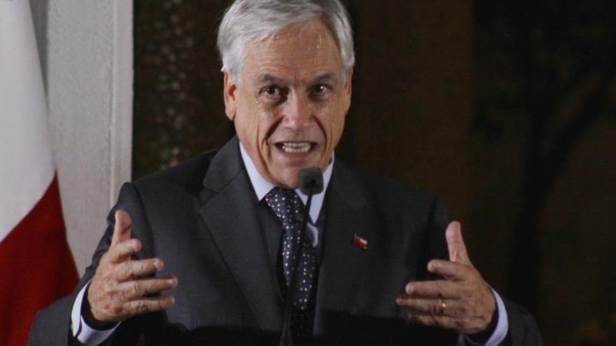 El rechazo a Piñera en Chile supera en 14 puntos a su aprobación, según una encuesta