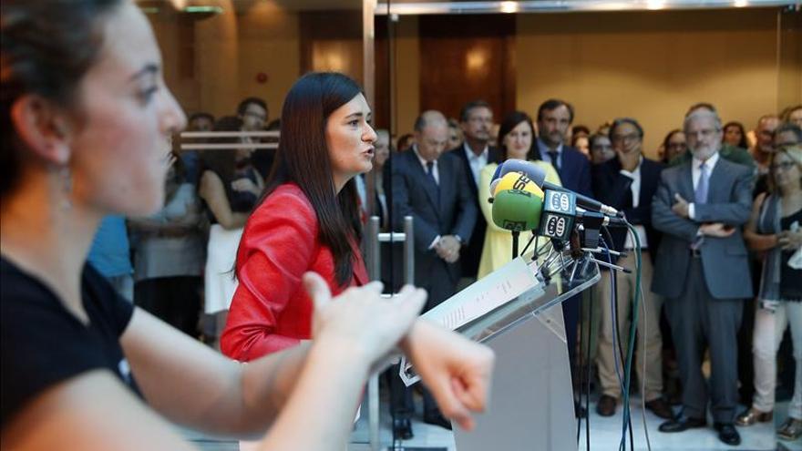 La consellera de Sanidad, Carmen Montón, en rueda de prensa