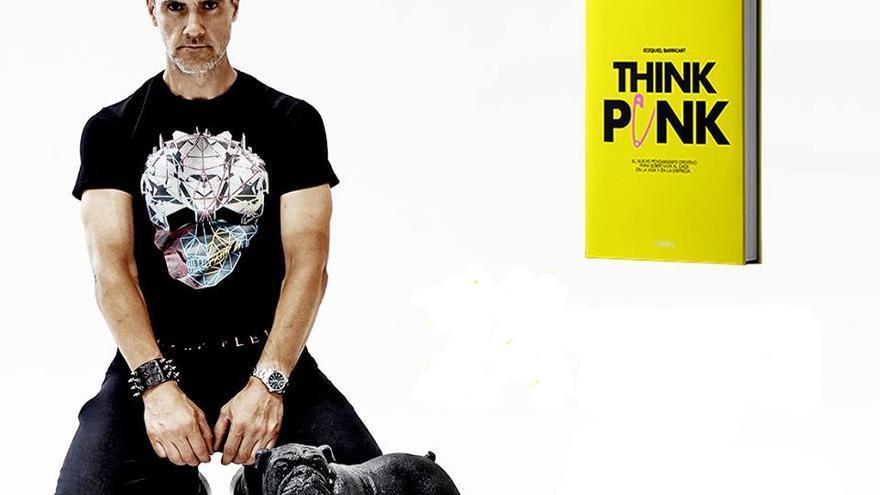 Ecequiel Barricart presenta su libro 'Think Punk'.