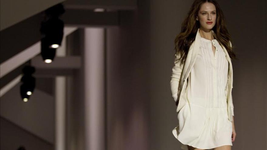 Mango abre la 080 Barcelona Fashion con una fila cero de lujo