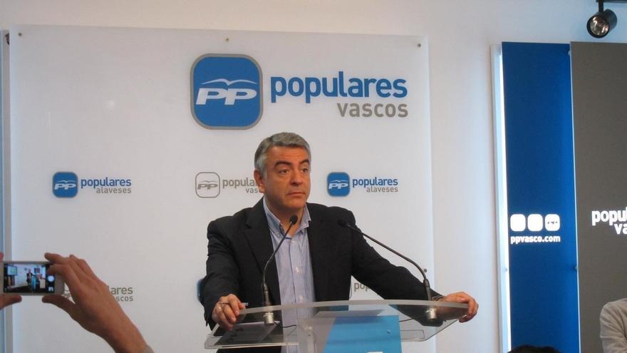 """De Andrés (PP): """"Es muy importante establecer una buena relación entre las Administraciones que operan en Euskadi"""""""