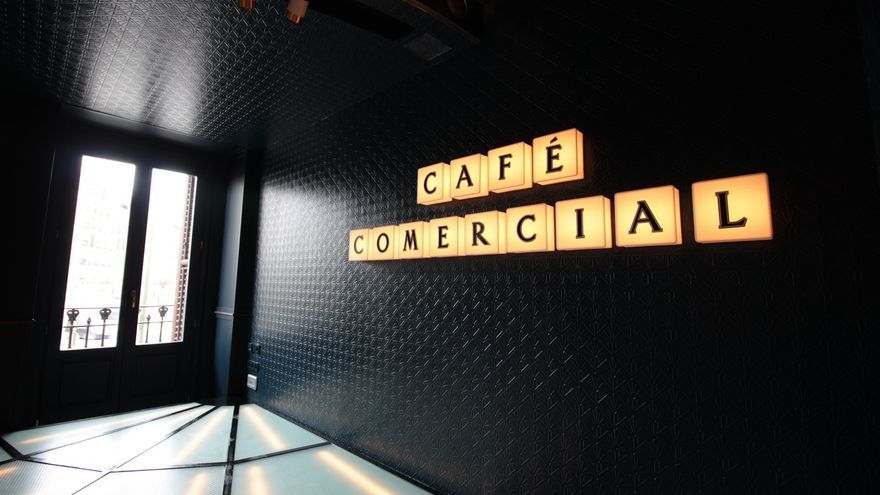 El Cafe Comercial reabre - 009