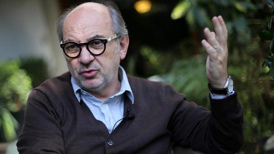 """Luis Gnecco: Sabía que """"Neruda"""" iba a ser muy criticada por los chilenos"""