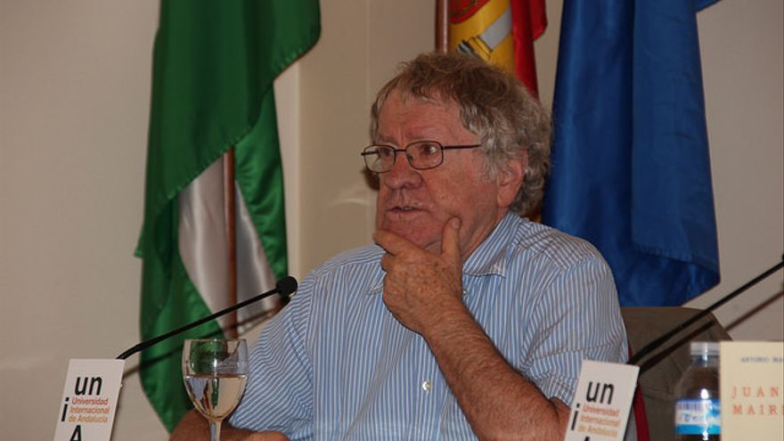 El hispanista Ian Gibson durante la presentación del facsímil.