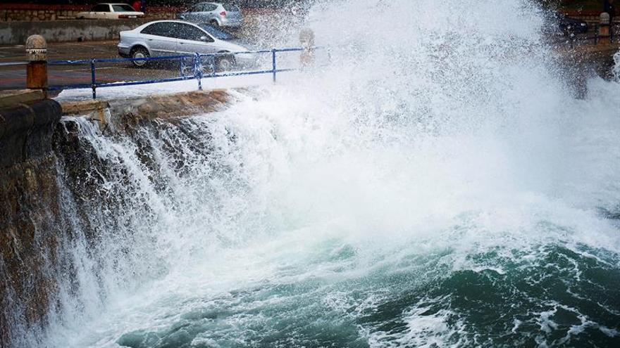 Siete provincias del norte se encuentran en alerta por fenómenos costeros