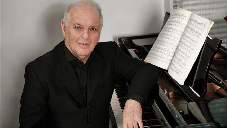 """Barenboim presenta en Londres un piano """"radicalmente diferente"""""""