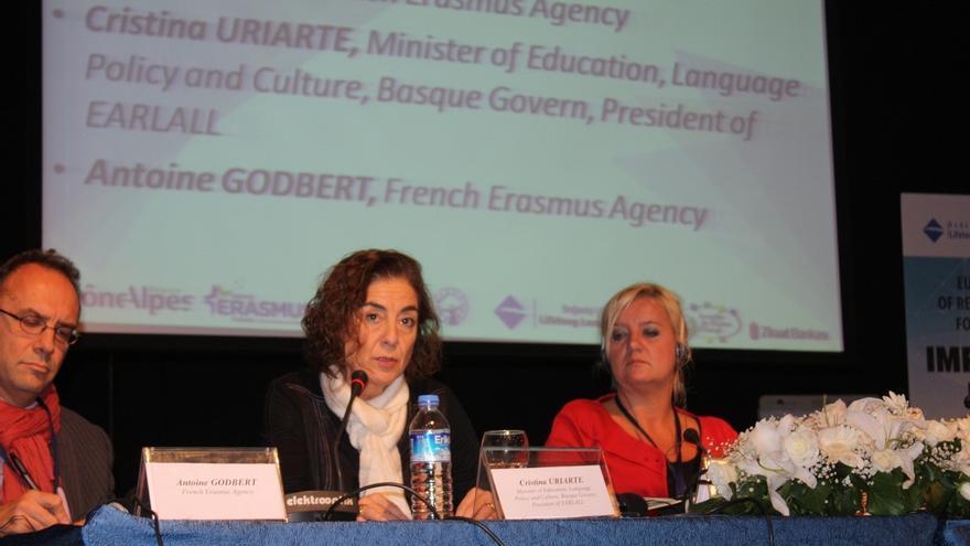 Uriarte cree necesaria una mayor coordinación entre el mundo educativo y el laboral