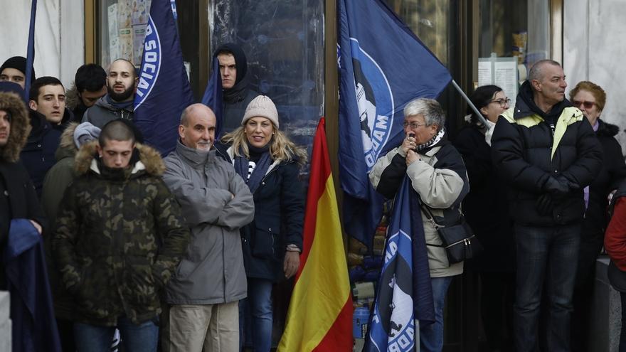 Hogar Social se suma a la concentración en Colón contra el Gobierno de Sánchez