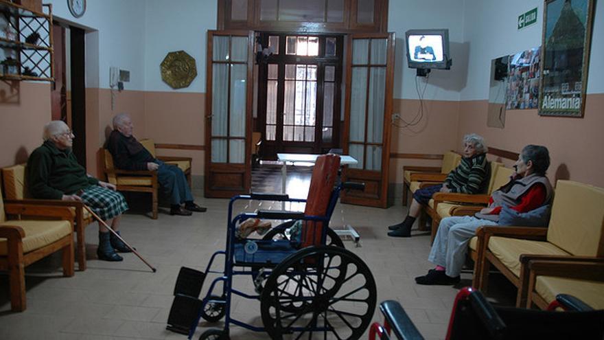 """Un juez paraliza la emisión del """"Diario de..."""" Mercedes Milá en el geriátrico clandestino"""